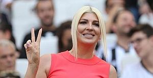 Jelena Karleusa kupayla show yaptı