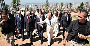 Kılıçdaroğlu Kartal'da huzurevi açtı