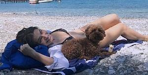Saadet Işıl Aksoy bikini sezonunu açtı
