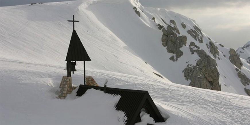 Balkanlara Haziran'da kar yağdı