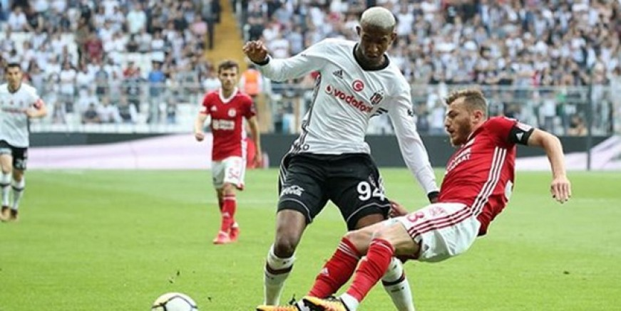 Beşiktaş Sivasspor'a gol yağdırdı