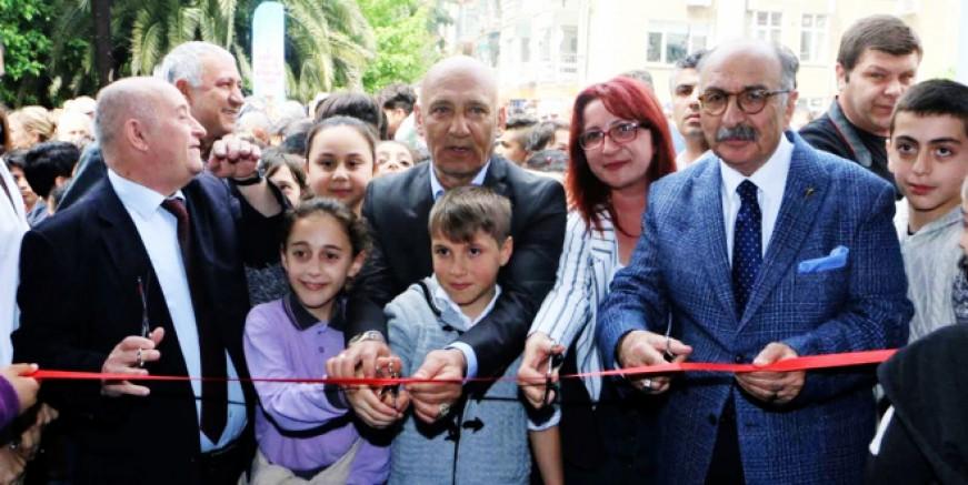 Çocuk Kitapları Fuarı Kartal'da açıldı