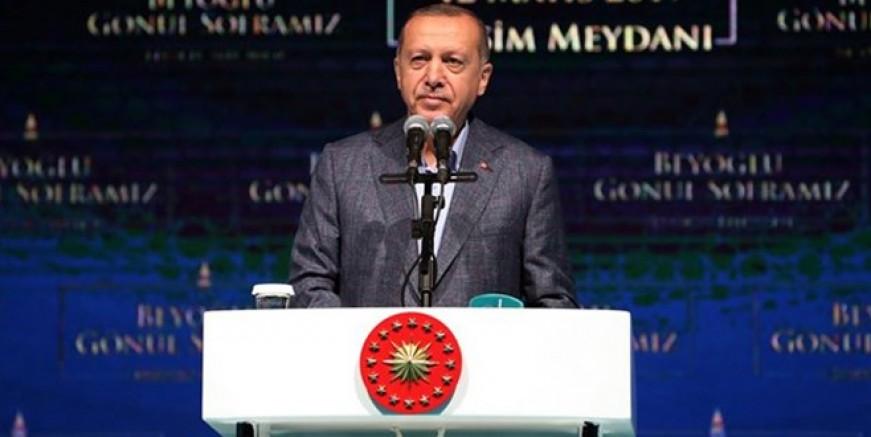 Cumhurbaşkanı Erdoğan o sanatçıları topa tuttu