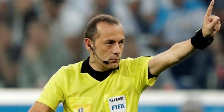Cüneyt Çakır Arjantin maçına damga vurdu