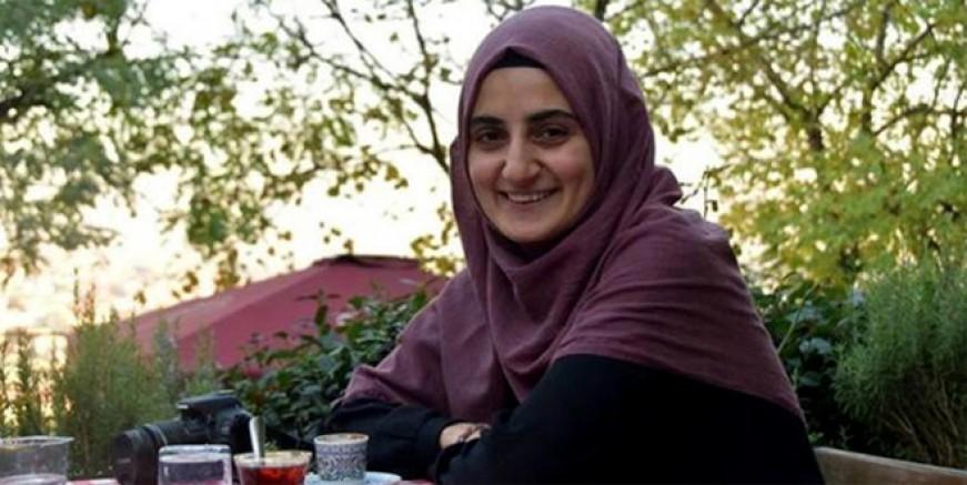 Ebru Özkan'dan haber alınamıyor