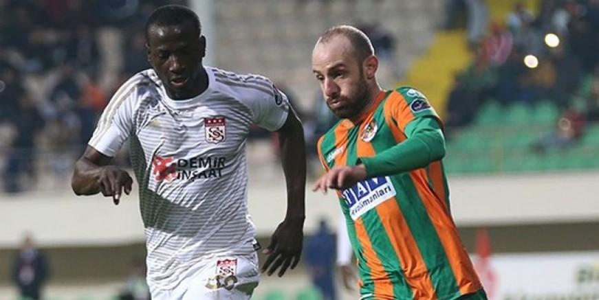Efecan Karaca'ya Beşiktaş kancası