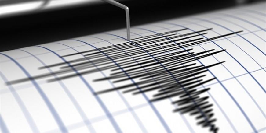 Ege'de 4,9 büyüklüğünde deprem