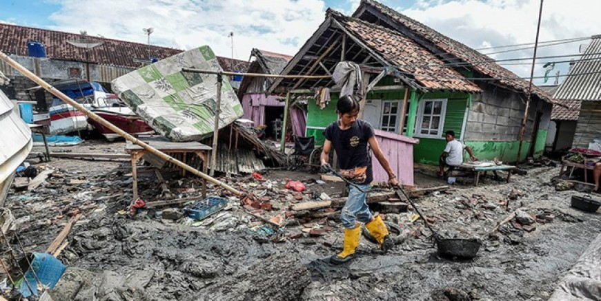Endonezya'da yeni tsunami uyarısı