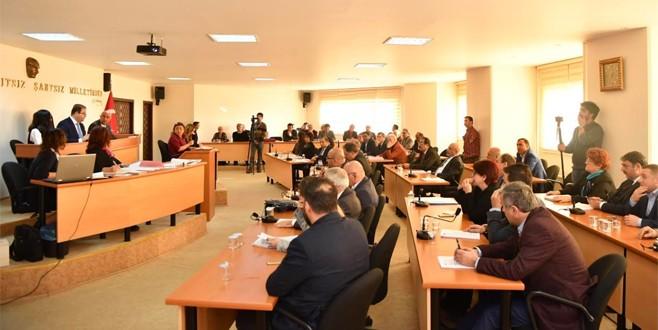 Erbakan ve Tuncel Kurtiz'in adı Maltepe'de yaşayacak