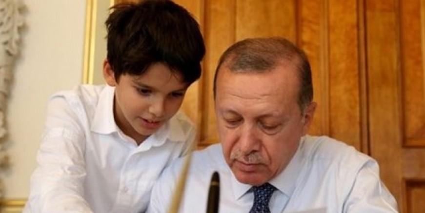 Erdoğan'ın torunu TRT'de yarışmaya katıldı