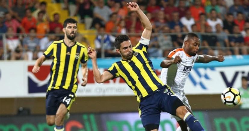 Fenerbahçe'de ilk ayrılık gerçekleşiyor
