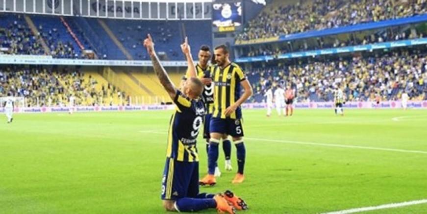 Fenerbahçe sezonu ikinci sırada bitirdi
