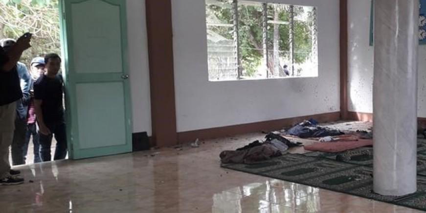 Filipinler'de camiye bombalı saldırı