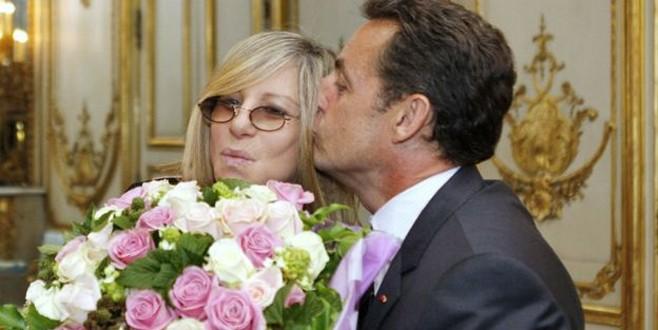 Fransa'da öpücüklü selamlaşma tartışması!