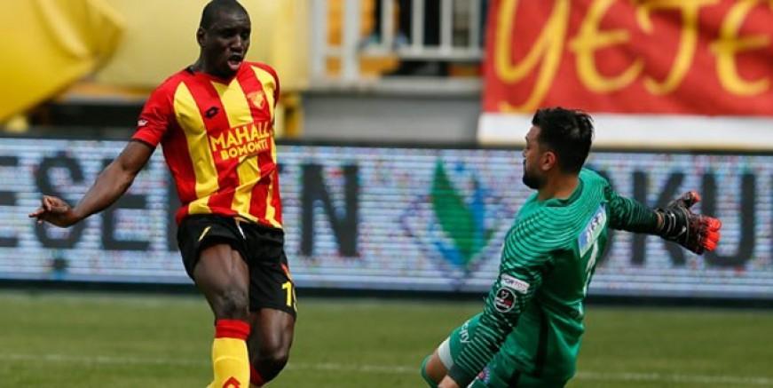 Göztepe Galatasaray'ı Demba Ba ile avlayacak