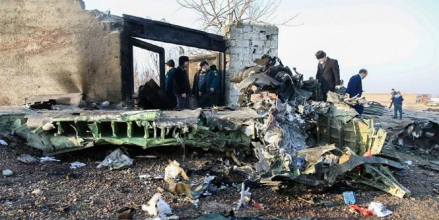 İran'da 176 kişiyi taşıyan Ukrayna uçağı düştü!
