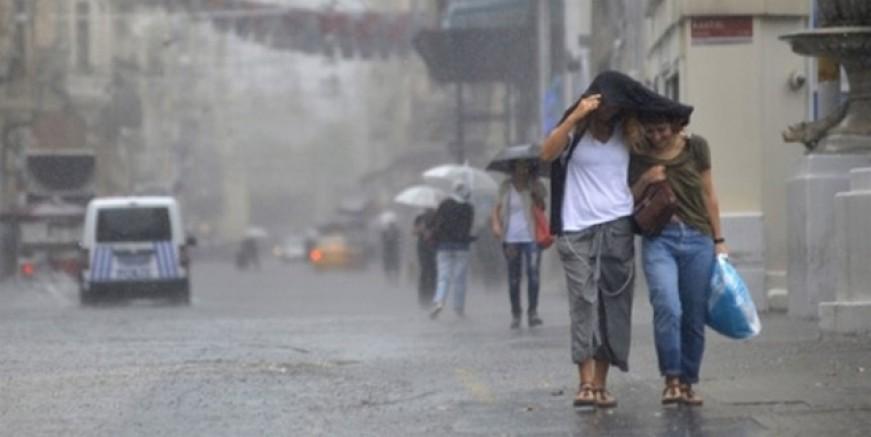 İstanbullular yağmura hazırlıksız yakalandı