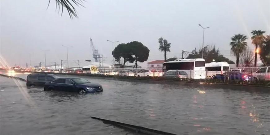 İzmir'de iki mahalleye evlerinizi boşaltın uyarısı