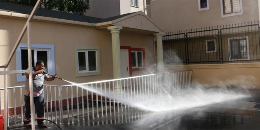 Kartal Belediyesi okulları pırıl pırıl yaptı