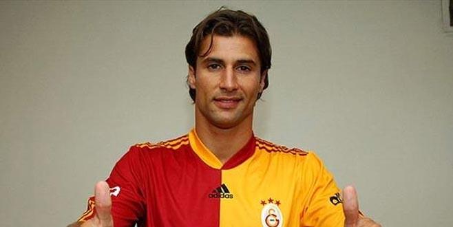 Lorik Cana futbolu bıraktı!
