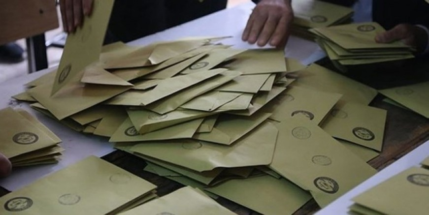 Maltepe'de oy sayımına başlandı