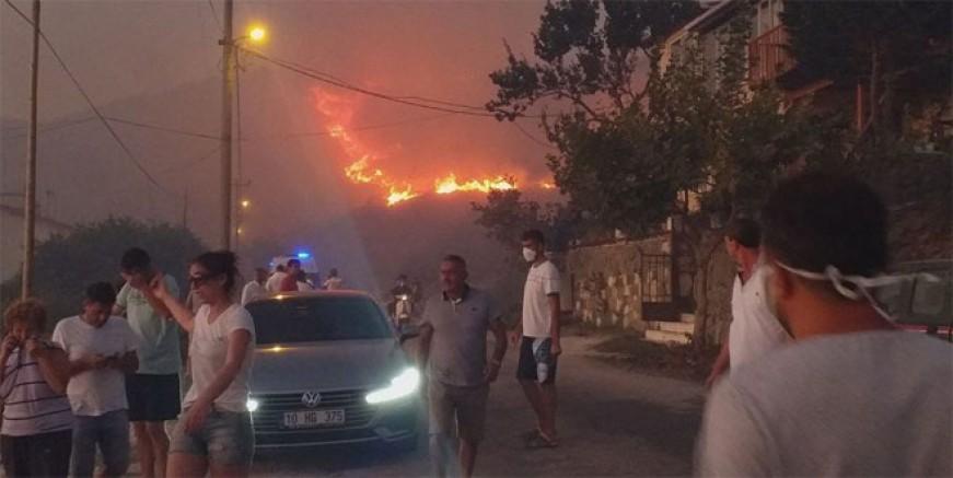 Marmara Adası alev alev yandı!