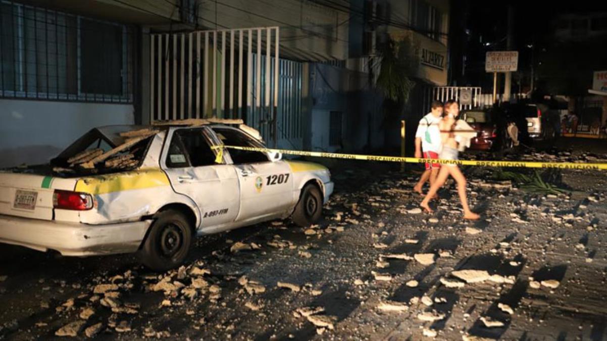 Meksika felaketi yaşıyor; sel deprem - tsunami!