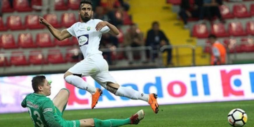 Muğdat Galatasaray'a imzayı atıyor