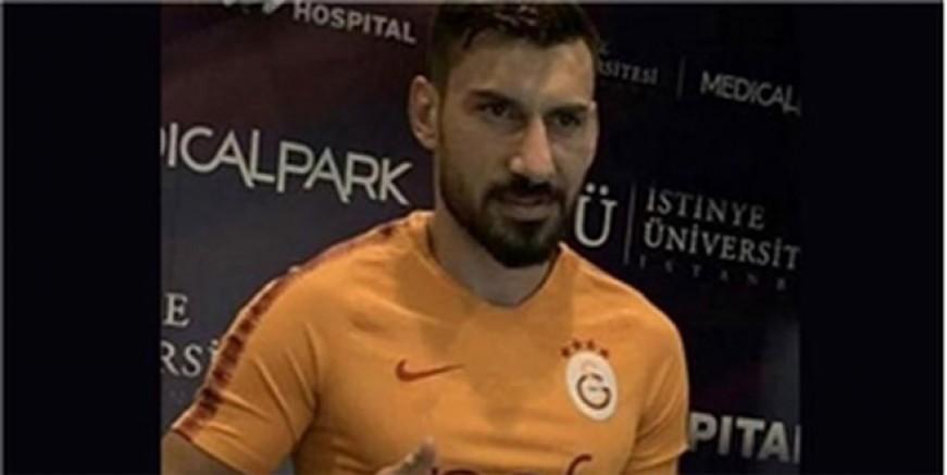 Şener Özbayraklı Galatasaray forması giydi
