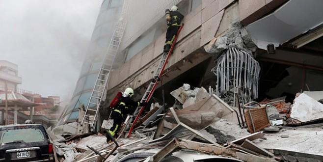 Tayvan'daki depremden geriye bu fotoğraflar kaldı!