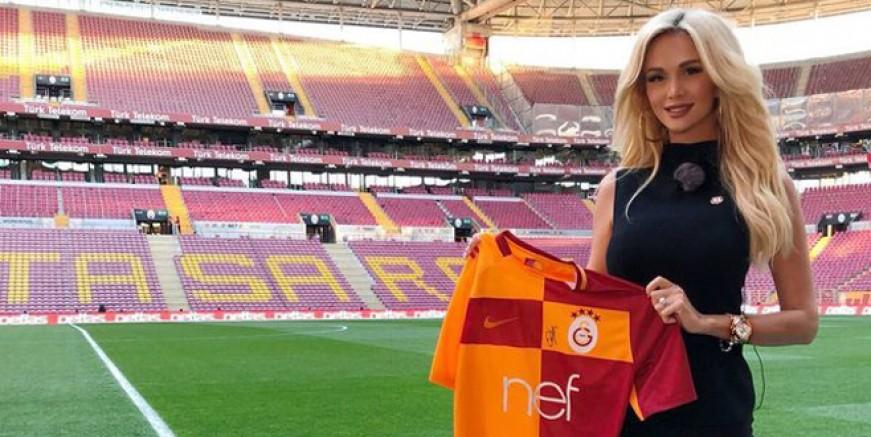 Victoria Lopyreva Galatasaray'ı kutladı